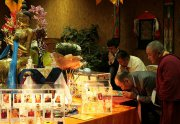 В Туве открылась выставка священных реликвий из собрания Ламы Сопы Ринпоче