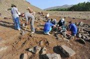 """Пять могильных курганов эпохи неолита обнаружены в """"Долине царей"""" в Туве"""