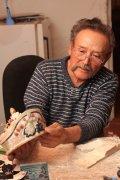 Как резчик Владимир Салчак превращает агальматолит в национальное достояние Тувы