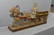 В Национальном музее Тувы открылась выставка мастера резьбы по дереву и камню Донгака Окаанчыка